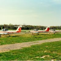 Piper PA-38-112 Tomahawks at Bolivar Aviation, William L. Whitehurst Field, Bolivar, TN, Коссут