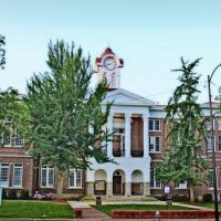 Marshall County Courthouse - Built 1870 - Holly Springs, MS, Коссут