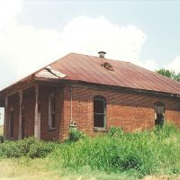 abandoned brick house, Natchez Ms, scanned 35mm (8-9-2000), Натчес