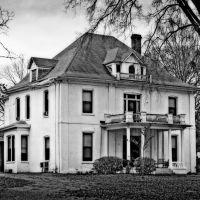 Rubel - Word Home - Built 1850, Околона