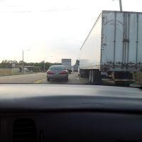 Trucks clogging Lamar ave. Welcome to Memphis., Олив Бранч