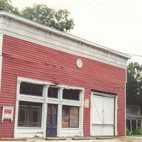 rare victorian false front commerical building, Utica Miss (8-8-2000), Пелахатчи