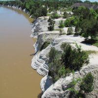 White Cliffs at Epes Alabama, Хармони