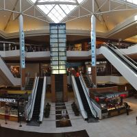 Saint Louis Galleria, Брентвуд