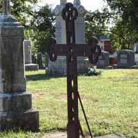 iron cross, St Peters cemetery, Jefferson City, MO, Джефферсон-Сити