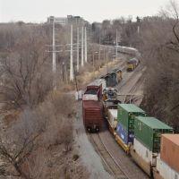 Three UP trains,  Jefferson City, MO, Джефферсон-Сити