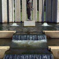 Memorial and Waterfall, Нортвудс
