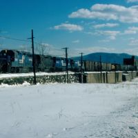 Northbound Conrail Freight Train at Newburgh, NY, Ньюбург