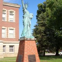 statue of liberty replica, Leon, IA, Олбани (Генри Кантри)