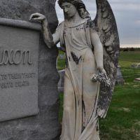 angel on tombstone, Prairie RIdge Cemetery, Polo, MO, Олбани (Генри Кантри)