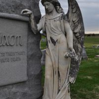 angel on tombstone, Prairie RIdge Cemetery, Polo, MO, Олбани (Рэй Кантри)