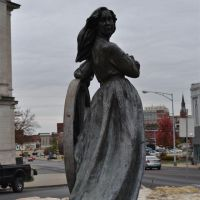 NoTurning Back, bronze statue of girl and wagon wheel, St Joseph, MO, Сент-Джозеф