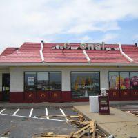 McDonalds Post Tornado, Эйрпорт-Драйв