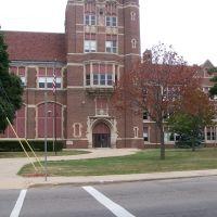 Central High School, Бичер