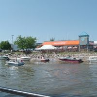 Hooters On Saginaw River, Бэй-Сити