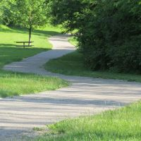 Paved trail in Placid Way Park, Ann Arbor, Варрен