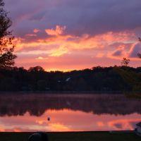 Sunrise over Lake Leelanau, Виандотт
