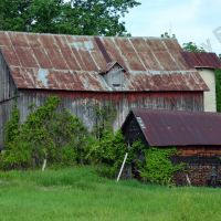S Lake Shore Dr. Barn 3, Гранд-Бланк