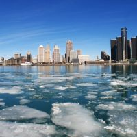 melting ice on the detroit river, Детройт