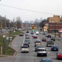 downtown Detroit skyline from pedestrian crossover, Дирборн