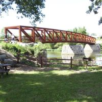 New footbridge on old piers at Chippewa Landing Park (7 Sept 2006), Каро
