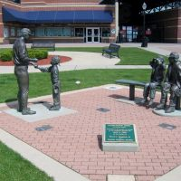 Statue at Cooley Law School Stadium, Lansing, Michigan 20212, Лансинг