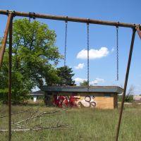 Used to be swings (Crystal Lake Park, Pontiac, MI), Понтиак