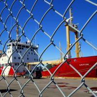 CCG Icebreaker Griffon in Sarnia Harbor, Порт-Гурон