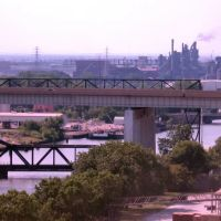 View up Rouge River to Ford territory, from Peerless silos (2006), Ривер-Руж