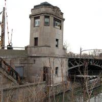 Oakwood Blvd / Fort Street bascule bridge...seems like a cushy job, Ривер-Руж