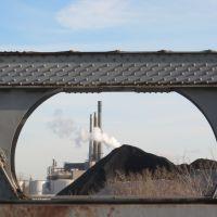 Framing Detroit industry under blue sky, Ривер-Руж