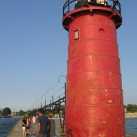 The front of South Haven Lighthouses, Саут-Хейвен