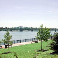 View of Grosse Ile free bridge from Elizabeth Park, Trenton, Mi, Саутгейт