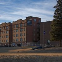 The Tripp & Dragstedt Apartments Next to Butte High, Бьютт