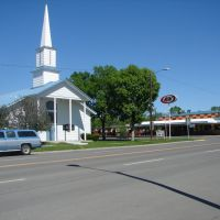 The church and the A&W, Roundup, Montana, Раундап