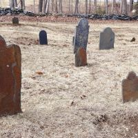 18th century cemetery; Old Parish Burying Ground, Freeport Maine, Фрипорт