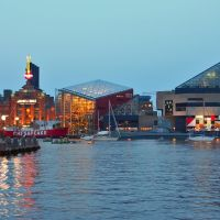 USA - MD - Baltimore. Inner Harbor in the evening, Балтимор
