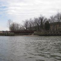 the anacostia river trail bridge next to Bladensburg park, Брентвуд