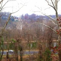 view of Clara Barton Pkwy, C&O Canal from Capital Crescent Trail, Washington DC, Брукмонт