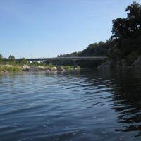 upstream from chain bridge bridge, Брукмонт