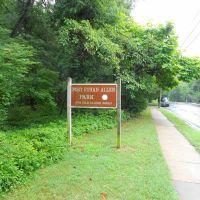 Fort Ethan Allen Park sign, 4311 Old Glebe Rd, Arlington, Virginia, Брукмонт
