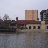Westport Plaza Lakeside, Вудлаун