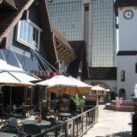 Westport Plaza, Maryland Heights, St. Louis, MO, Маунт-Рейнье
