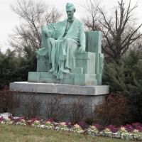 green Abraham Lincoln with cabbages, Норт-Брентвуд
