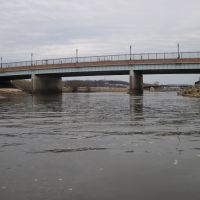 The route 1 bridge from upriver, Норт-Брентвуд