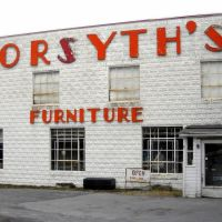 Forsyths Furniture, near the Historic National Road, Alt U.S. Route 40, Frederick St, Hagerstown MD, Хагерстаун