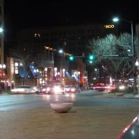 Nighttime in downtown Lincoln, Nebraska, at the intersection of O St. (U.S. Route 34) and 11th St., viewing east-north-easterly., Линкольн