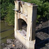 Remnant of Old Veterans Memorial Bridge, Папиллион
