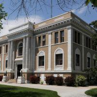 Sherman Co. Courthouse (1920) Loup City, Neb. 5-2010, Скоттсблуфф