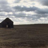 Barn somewhere west of Arnold NE 1-1989, Хастингс
